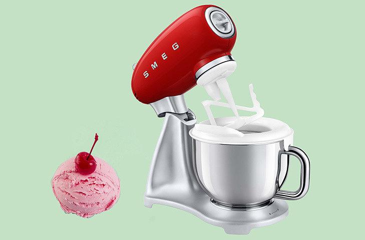 Новый гаджет для любителей мороженого от Smeg
